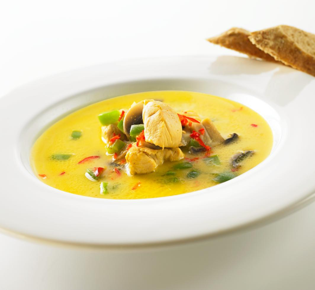 """""""Hot curry"""" kyllingesuppe"""