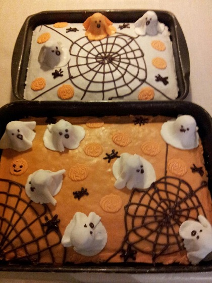 Halloweenkager med spøgelser uden mælk